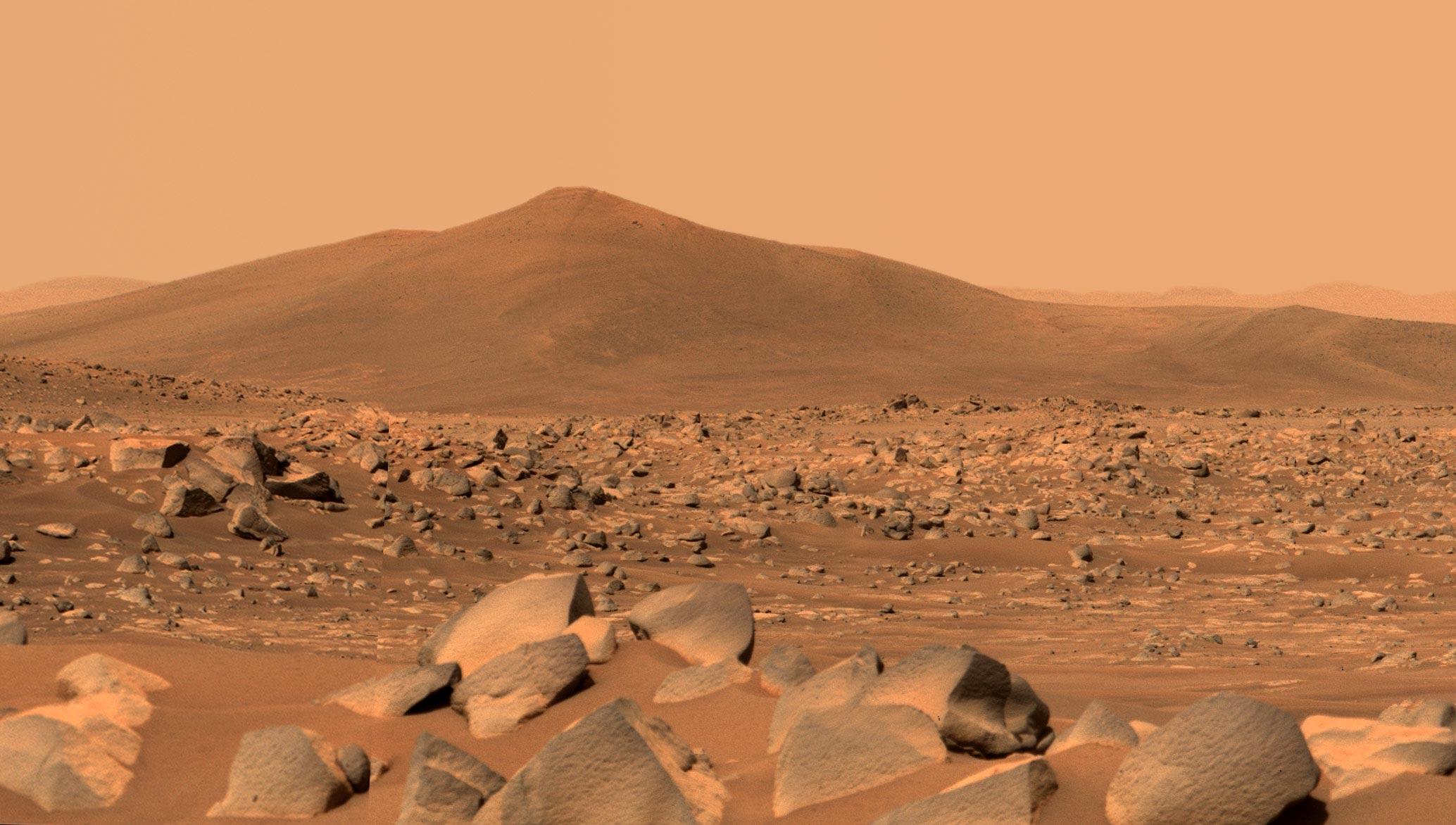 عکس دوربین Mastcam-z مریخنورد پشتکار از کوه Santa Cruz مریخ