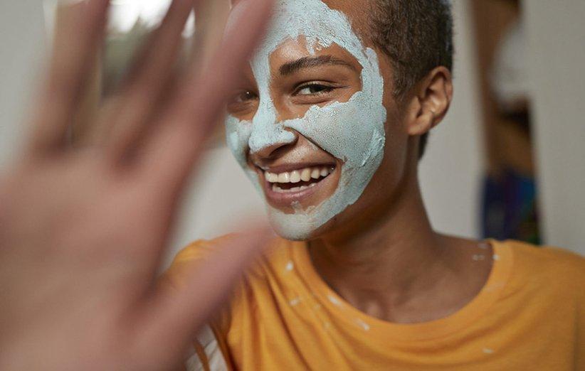 صورت شاداب و جوان با انواع کرم پوست مناسب