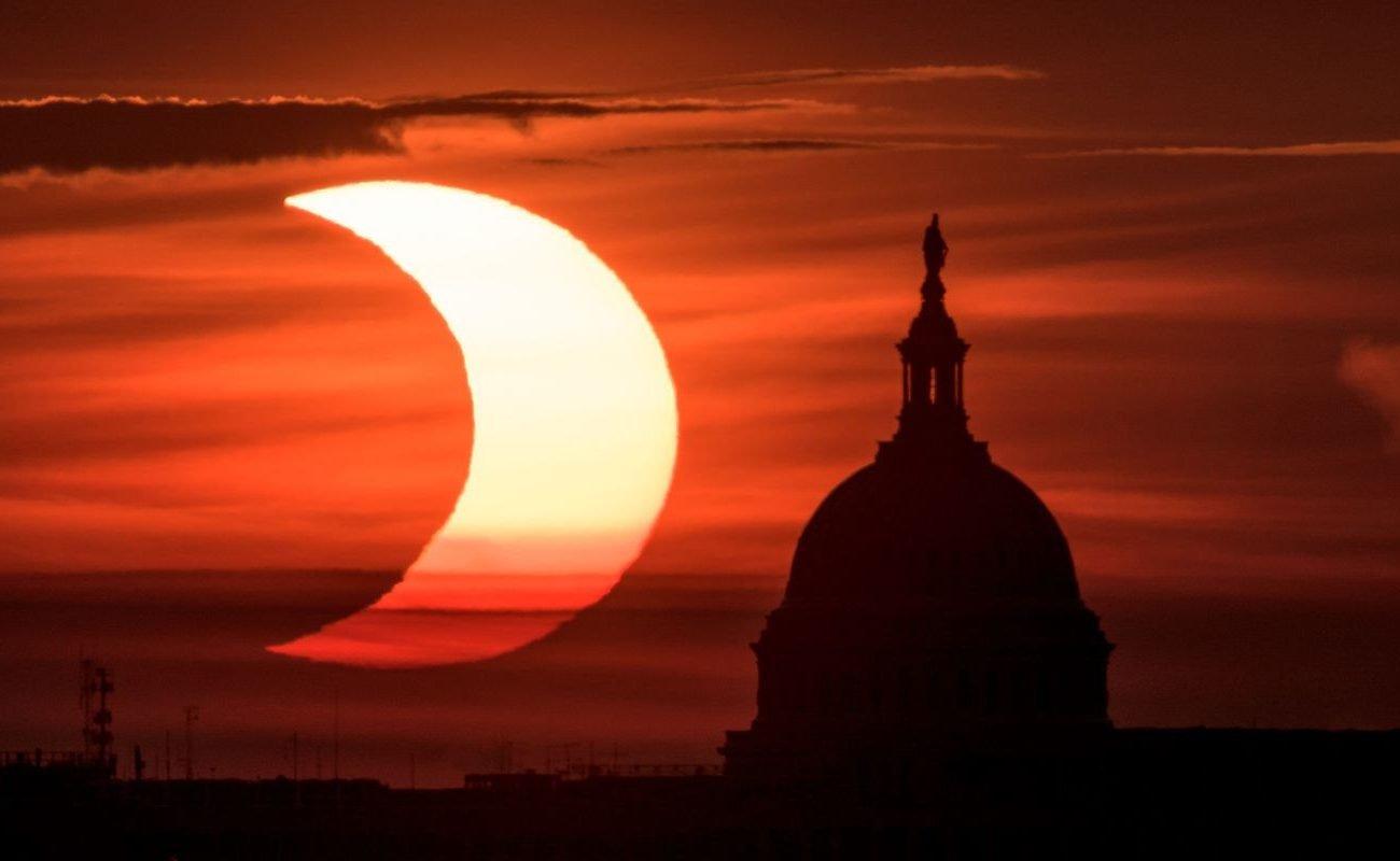 نخستین خورشیدگرفتگی سال 2021 در کنار کاخ کنگرهی آمریکا