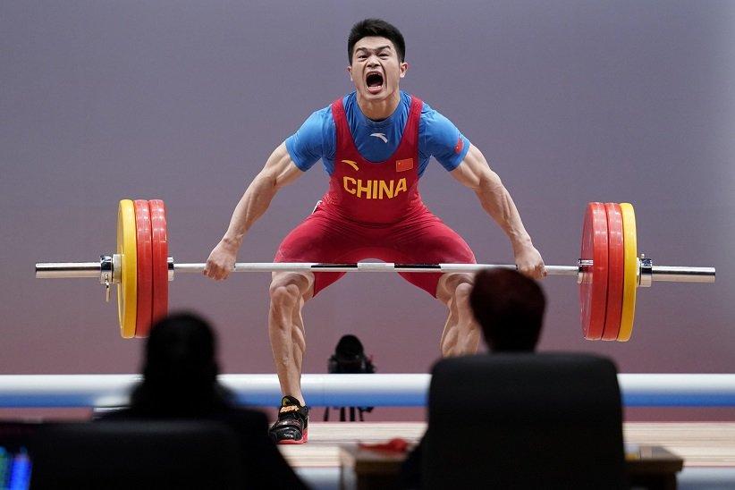 رکورد «شی ژیونگ» در وزنهبرداری آقایان