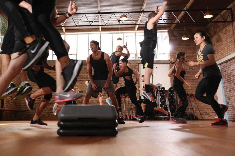 تمرینهای تناوبی و تنشی «اکسیژن مصرفی اضافی پس از ورزش» (EPOC) را فعال میکنند