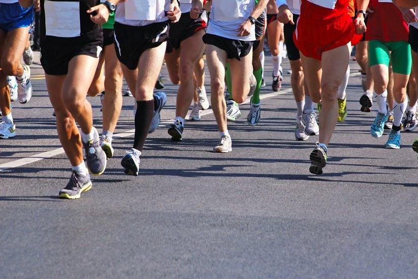 به یاد داشتن آبرسانی به بدن در حین تمرین و نوشیدن آب در درازای روز، مهمترین مراحل مناسب برای آمادگی در مسابقهی دو به شمار میروند.
