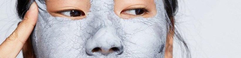 ۲۰ درمان خانگی معجزهآسا برای بستن منافذ باز پوست