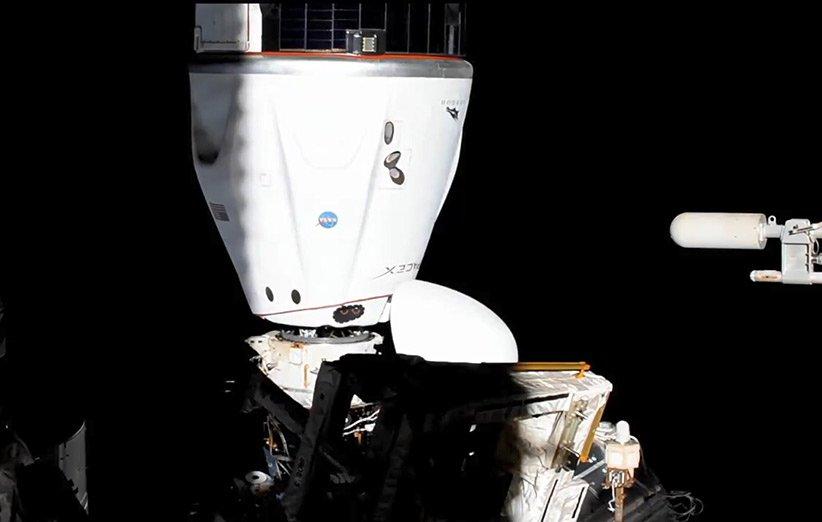 جابهجایی کپسول اِندِور دراگون اسپیسایکس همراه با خدمهی مأموریت کرو-2