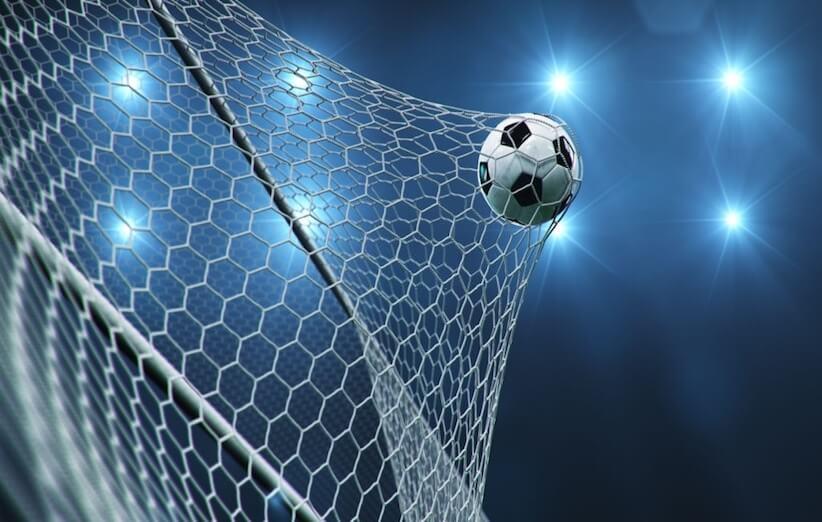 مشخصات توپ فوتبال استاندارد برای روی زمین چمن