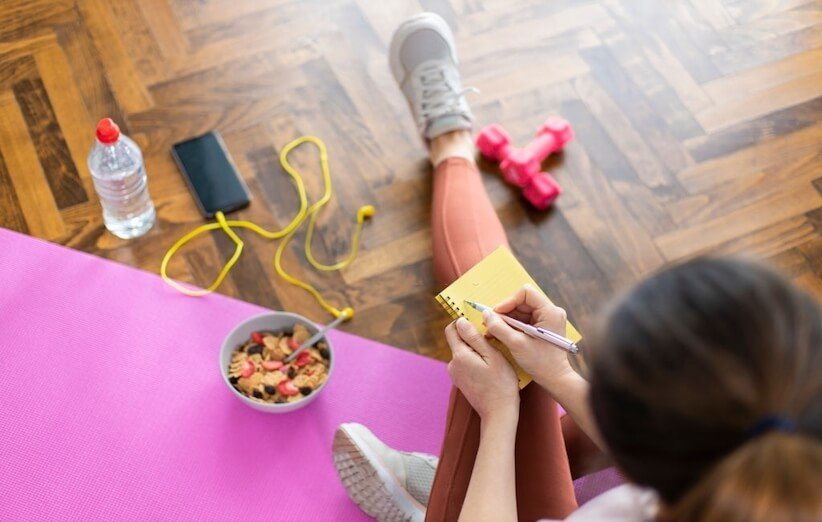 چطور بدون کمک مربی یک برنامهی ورزشی مناسب بنویسیم
