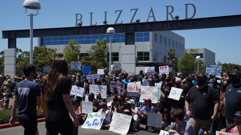 اعتراض کارمندان بلیزارد