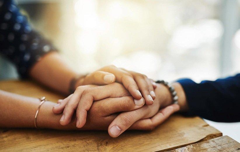 همدلی با دیگران از ویژگیهای افراد کاریزماتیک