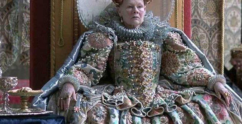جودی دنچ در نقش ملکه الیزابت