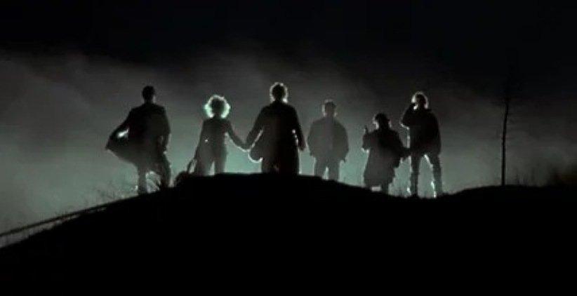 فیلم تاریکی نزدیک