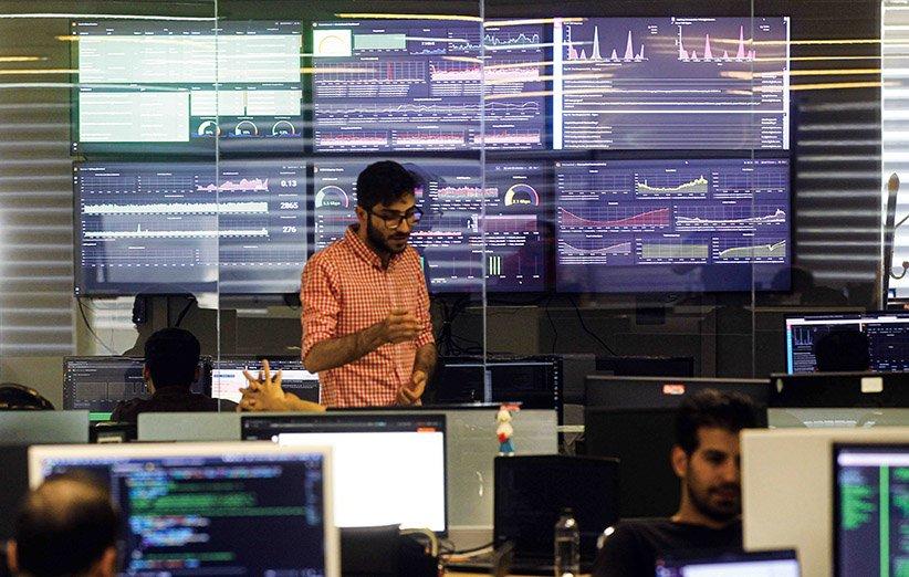 بستر فناوری دیجیکالا چطور به شناخت روندهای بازار و تحلیل رفتار کاربران کمک میکند؟
