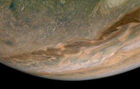 سیارهی مشتری از نگاه نزدیک کاوشگر جونو