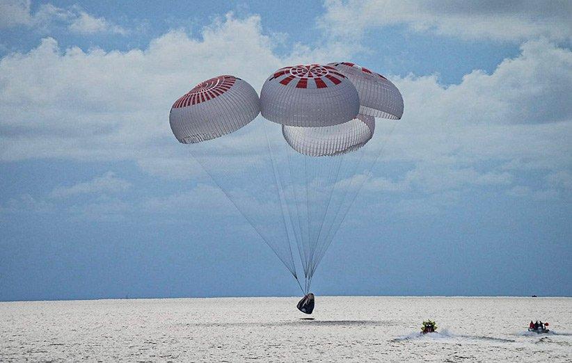 فرود فضاپیمای دراگون اسپیسایکس در آبهای سواحل فلوریدا