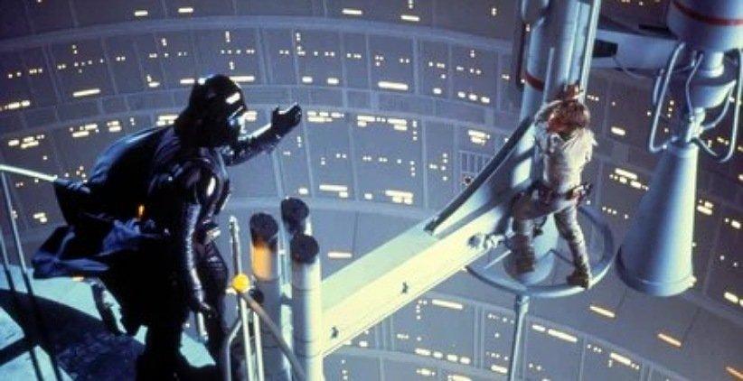 نمایی از فیلم جنگ ستارگان امپراتوری ضربه میزند