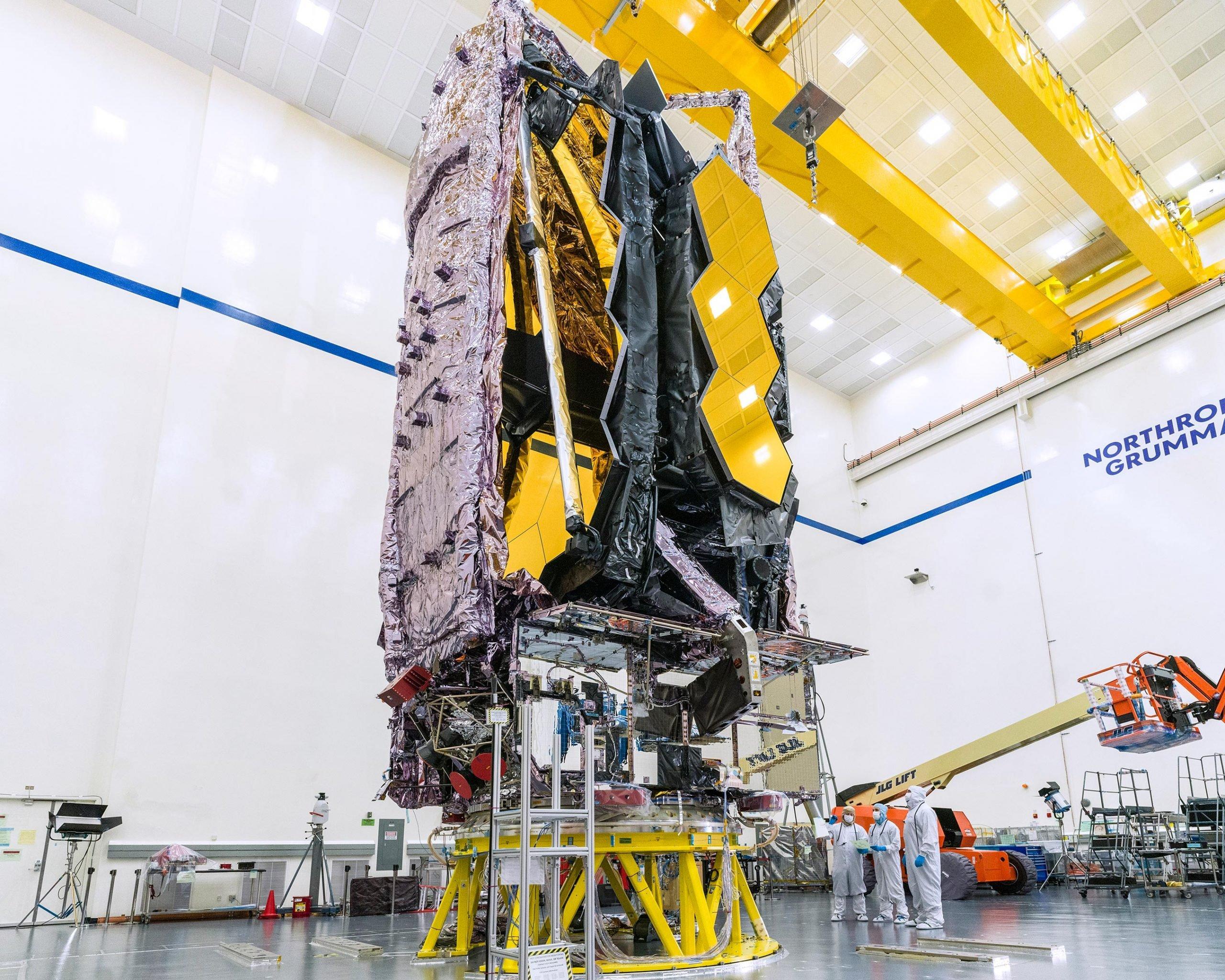 چگونگی جمع شدن تلسکوپ فضایی جیمز وب