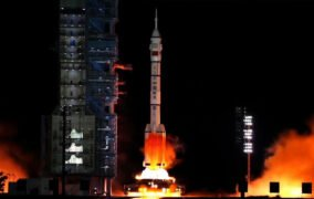 پرتاب موشک مأموریت شنژو 13 چین
